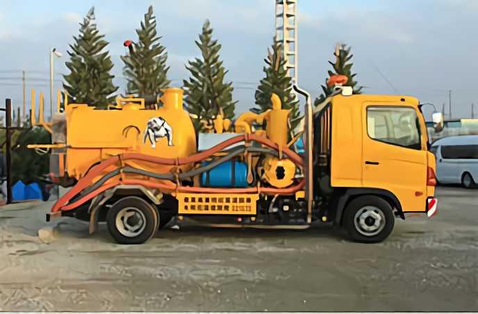 強力吸引車(風量40m³/min)・・・2台